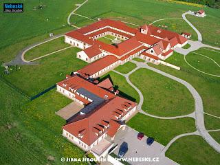 klášter Poličany