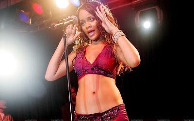 rihanna_singing_wallpaper_sweetangelonly.com