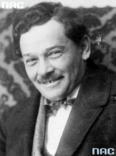 Apolinary Głowiński. Fotografia portretowa 1930-39. Fot. NAC 1-K-2949.