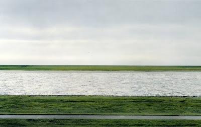 1 - Rhein II, Andreas Gursky (1999) US$ 4,3 millones
