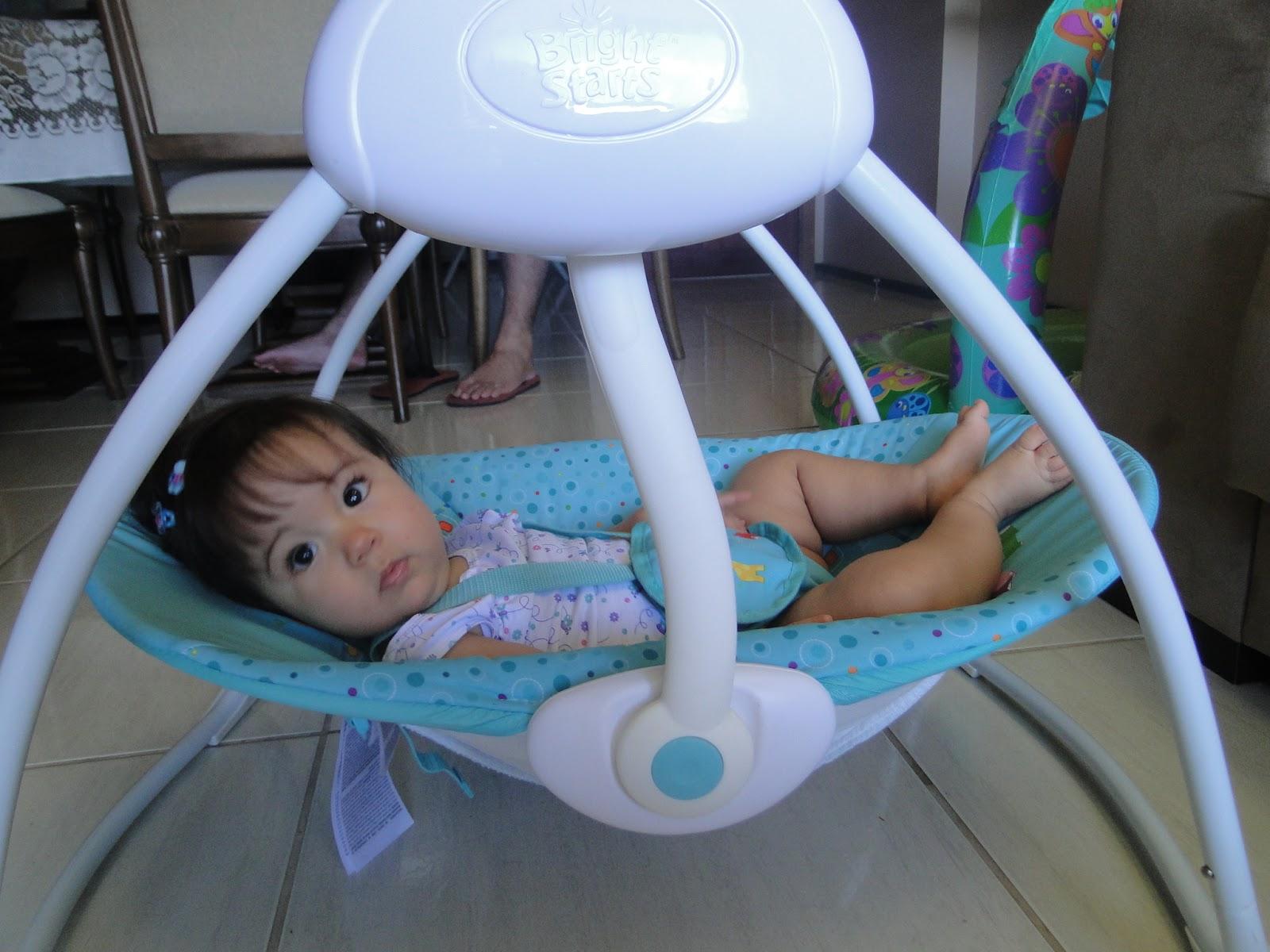 Cadeira de balanço Bright Starts Fun on Safari Selo Mamãe de  #285DA3 1600x1200