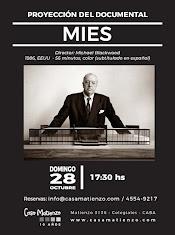 Proyección documental MIES. Director Michael Blackwood