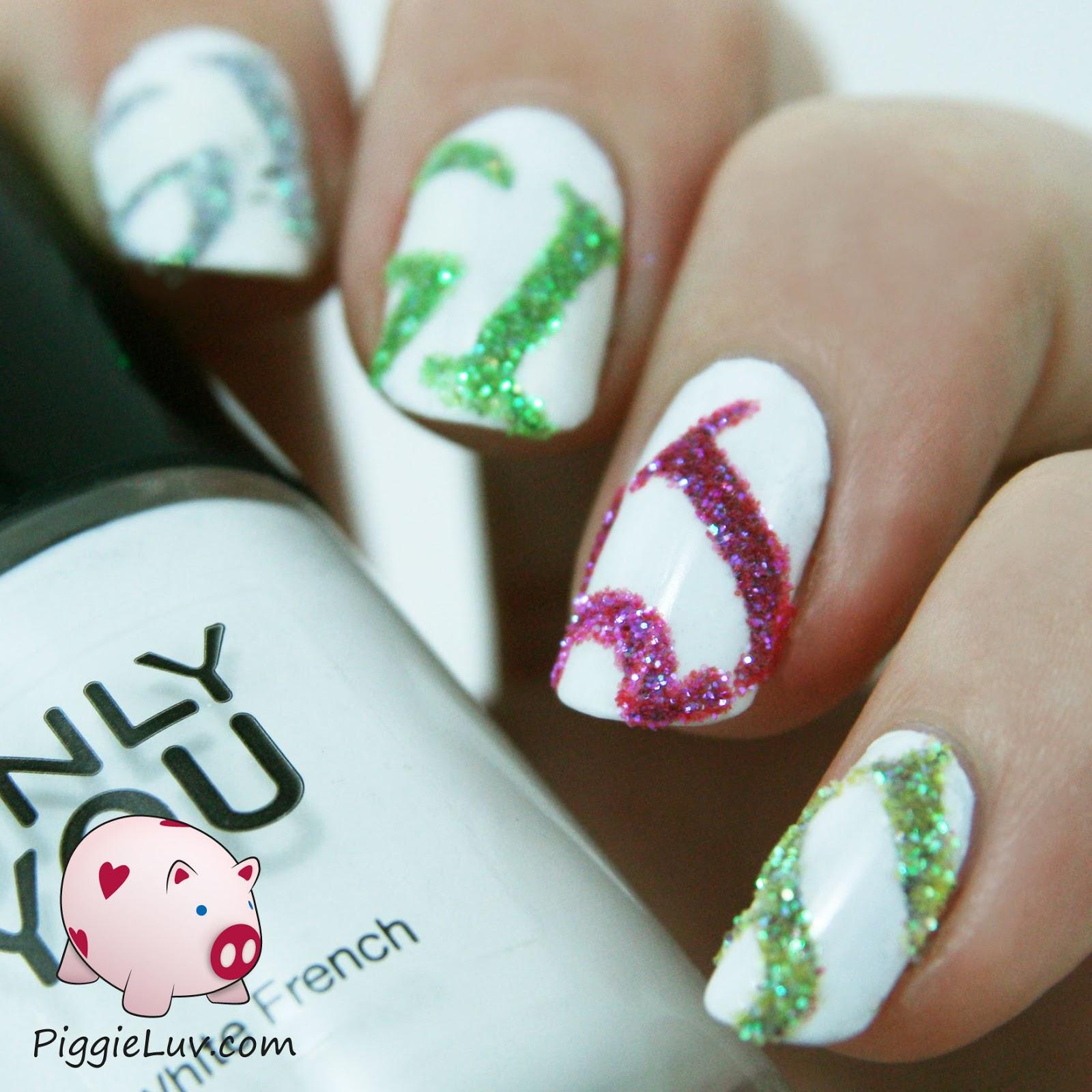 PiggieLuv: Glitter newspaper nails