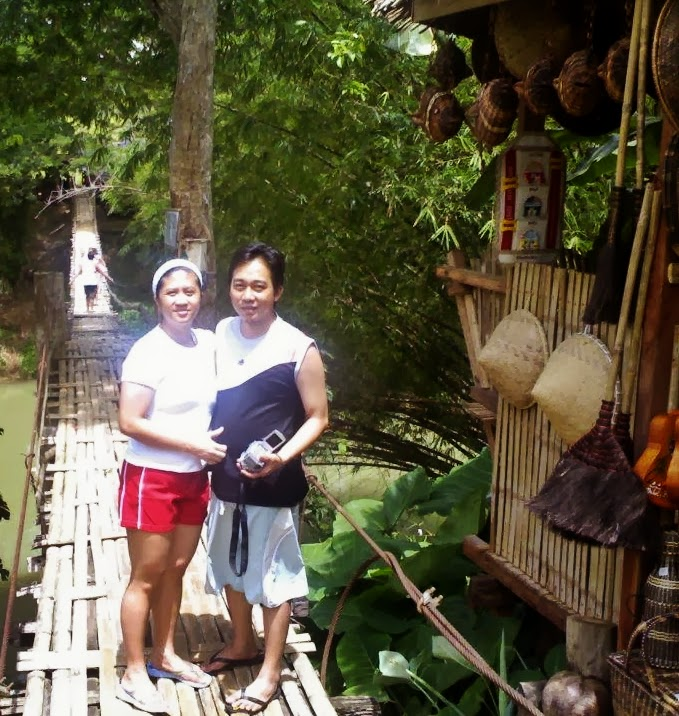 AJ and Aimee during their Bohol trip