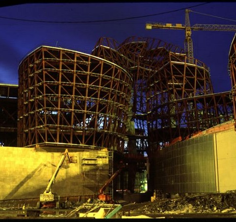 Critica objetual ensayo sobre la pel cula museo de for Bbk oficina central bilbao
