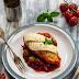 Kurczak pieczony w sosie pomidorowym z oliwkami