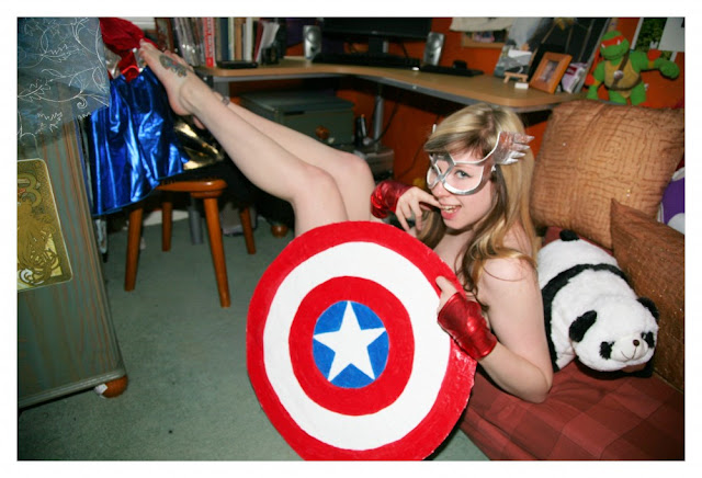 sexy captain america girl