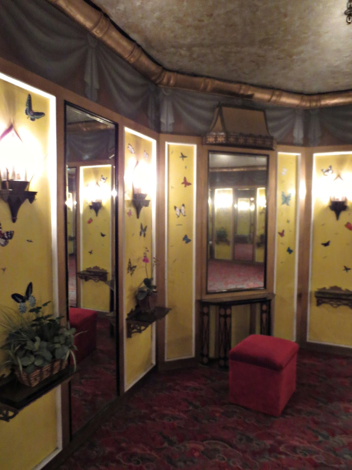 Grauman's Chinese Theater Bathroom Interior