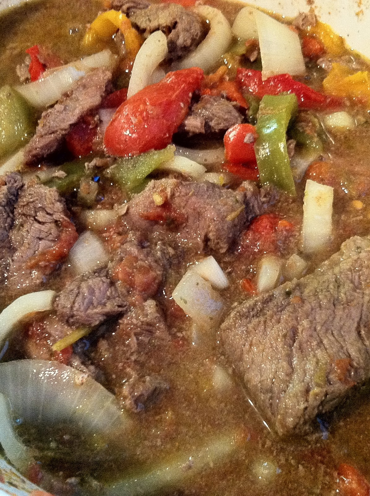Low Carb Layla: Crockpot Beef and Peppers
