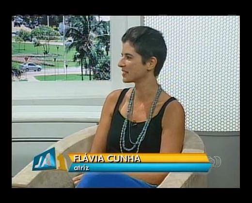 """Entrevista ao vivo_Flávia Cunha  ESPETÁCULO """"A bOla"""""""