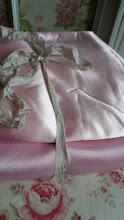2 DELICIEUX MORCEAUX ANTIQUE FRENCH PARIS PINK SATIN SILK FOR PROJECTS 1930s
