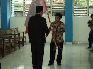 Penyerahan Bendera Geppmator oleh wabub Torut