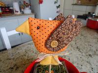 http://crochedasarinha.blogspot.com.br/2013/11/passarinho-com-molde.html