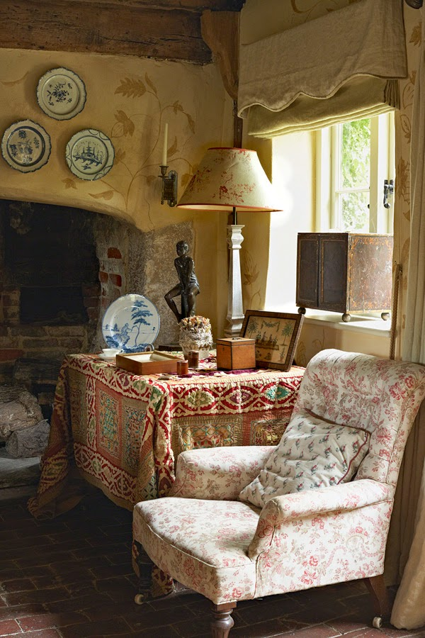 Decor inspiration english country house cool chic for Home and cottage magazine
