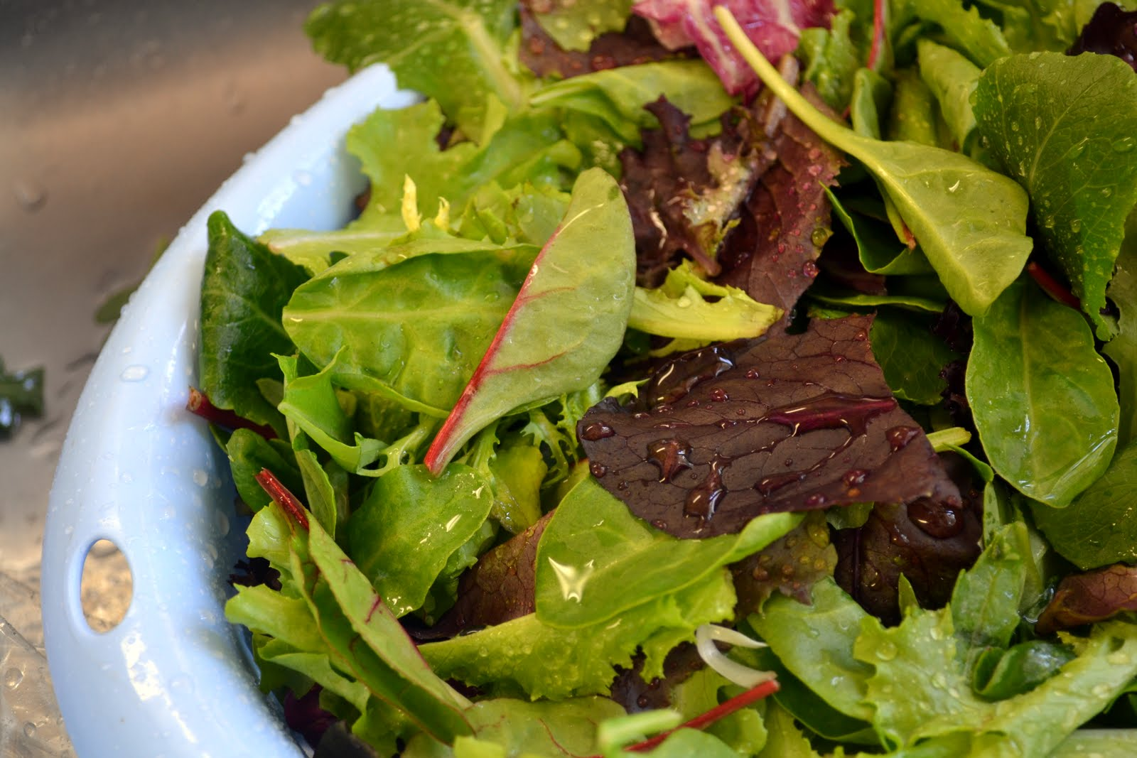 Mixed Baby Greens With Pomegranate Seeds, Gorgonzola And ...