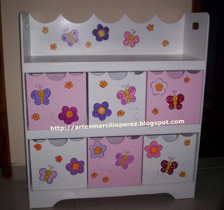 Estante flores e borboletas R$ 350,00 medidas 90Ax80Cx30P