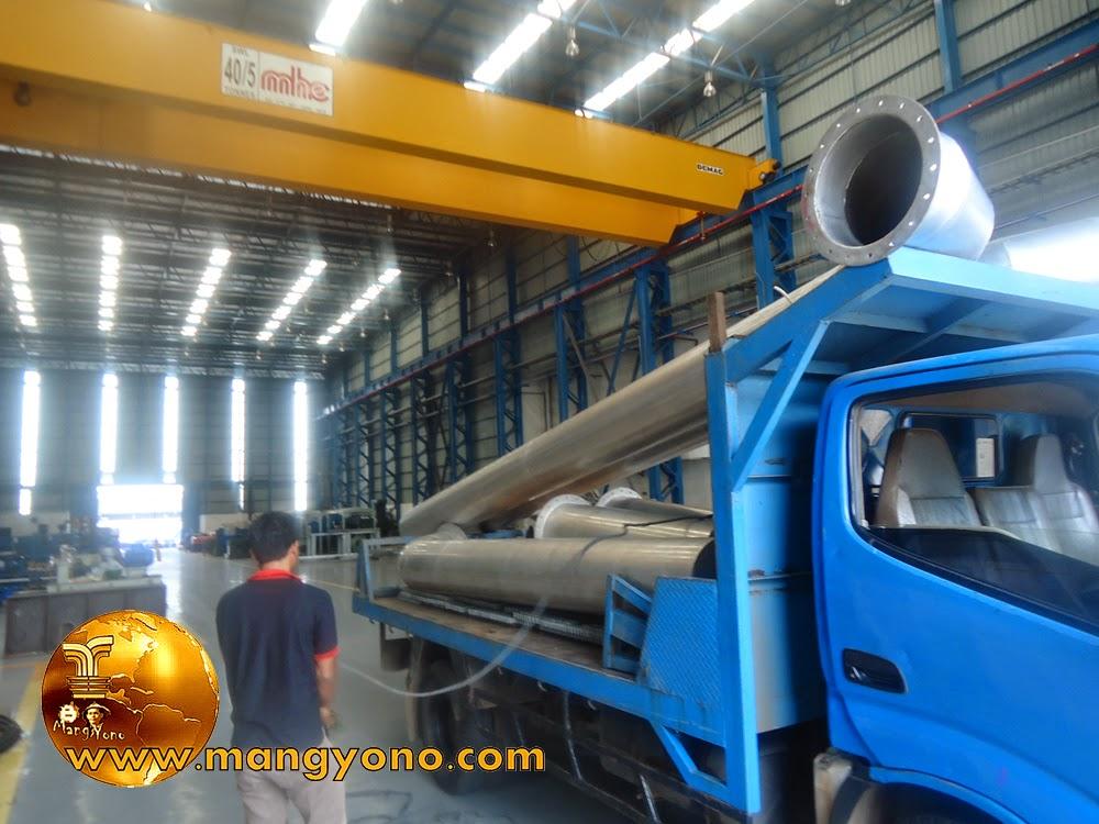 FOTO : Siap - siap untuk penurunan barang di Workshop PT. Torishima
