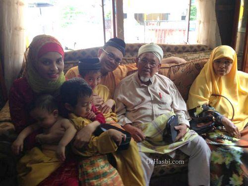 Ustaz Haji Harun Noh adalah ayah Dr Hasbi yang berumur 86 tahun dan menghidap penyakit jantung dan lumpuh