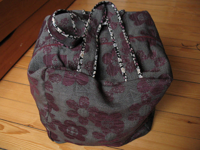 sac-housse de rangement pour surjeteuse