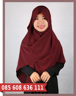 Hijab segi empat casual