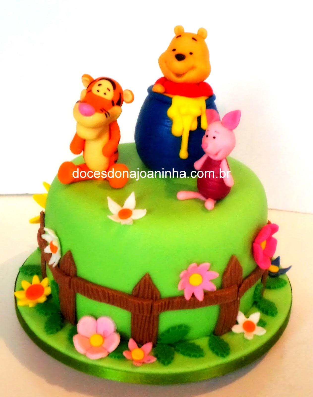 Bolo decorado ursinho Pooh no pote de mel com o Tigrão e o Leitão