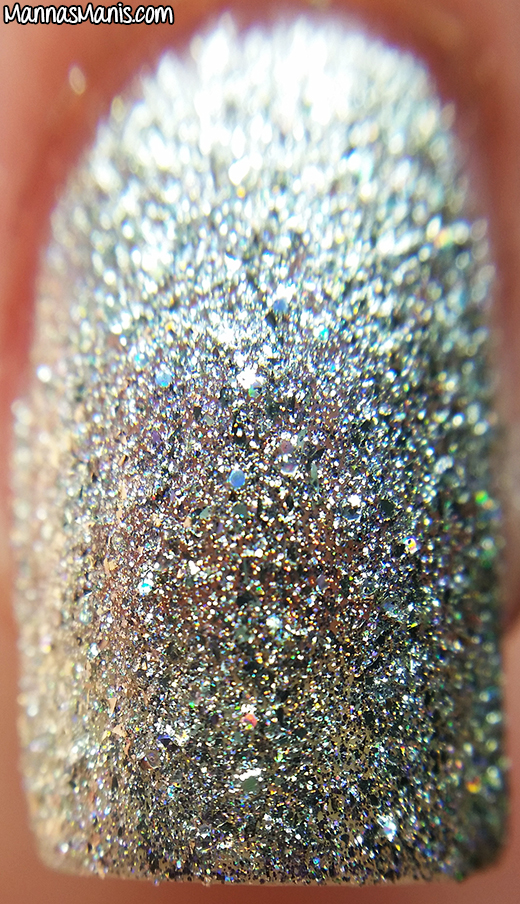 Honey Bunny Lacquer Robot Rock macro swatch
