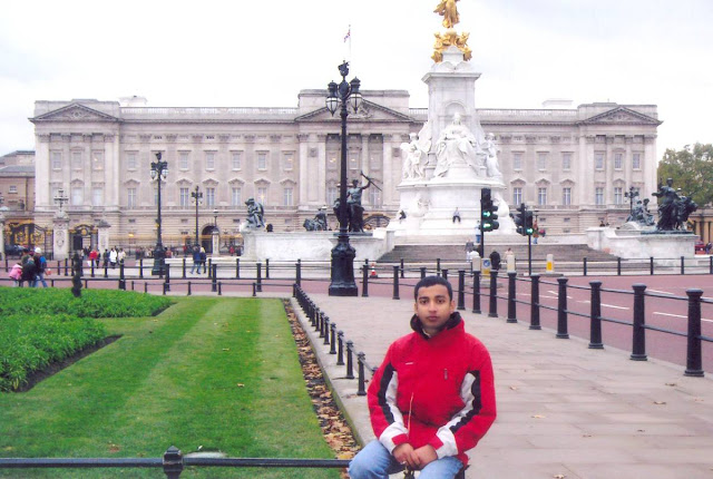Yoga Master Rajendra Pandey making some sense of London