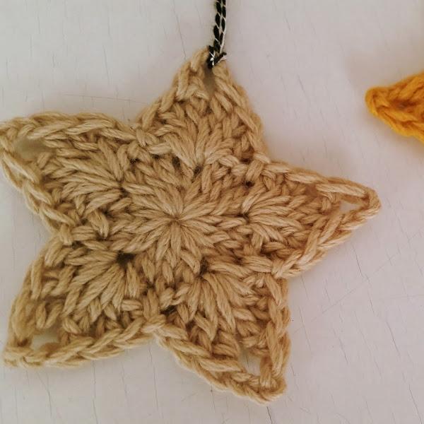 Estrellitas para el Árbol de Navidad a Crochet