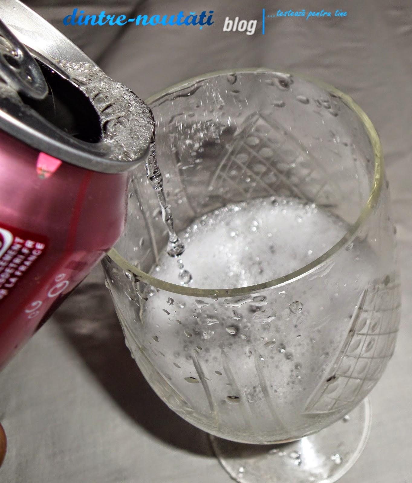 Băutură răcoritoare carbogazoasă cu aromă de cireșe uk france