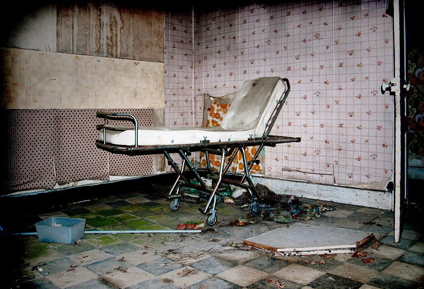 Abandoned Places-deserted-urbex-hospital