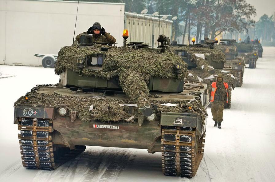 http://1.bp.blogspot.com/-yKrrcoPH4qc/UP1lg-UJiAI/AAAAAAAABpY/N1giziKf7qQ/s1600/Polish+Leopard+2+A4+(2).jpg