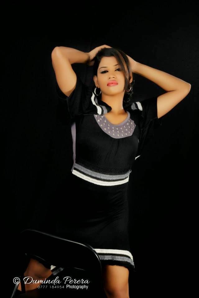 Ayesha Madushani black legs