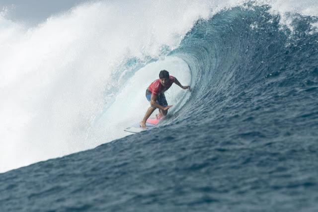 15 Italo Ferreira Billabong Pro Tahiti Foto WSL Stephen Robertson