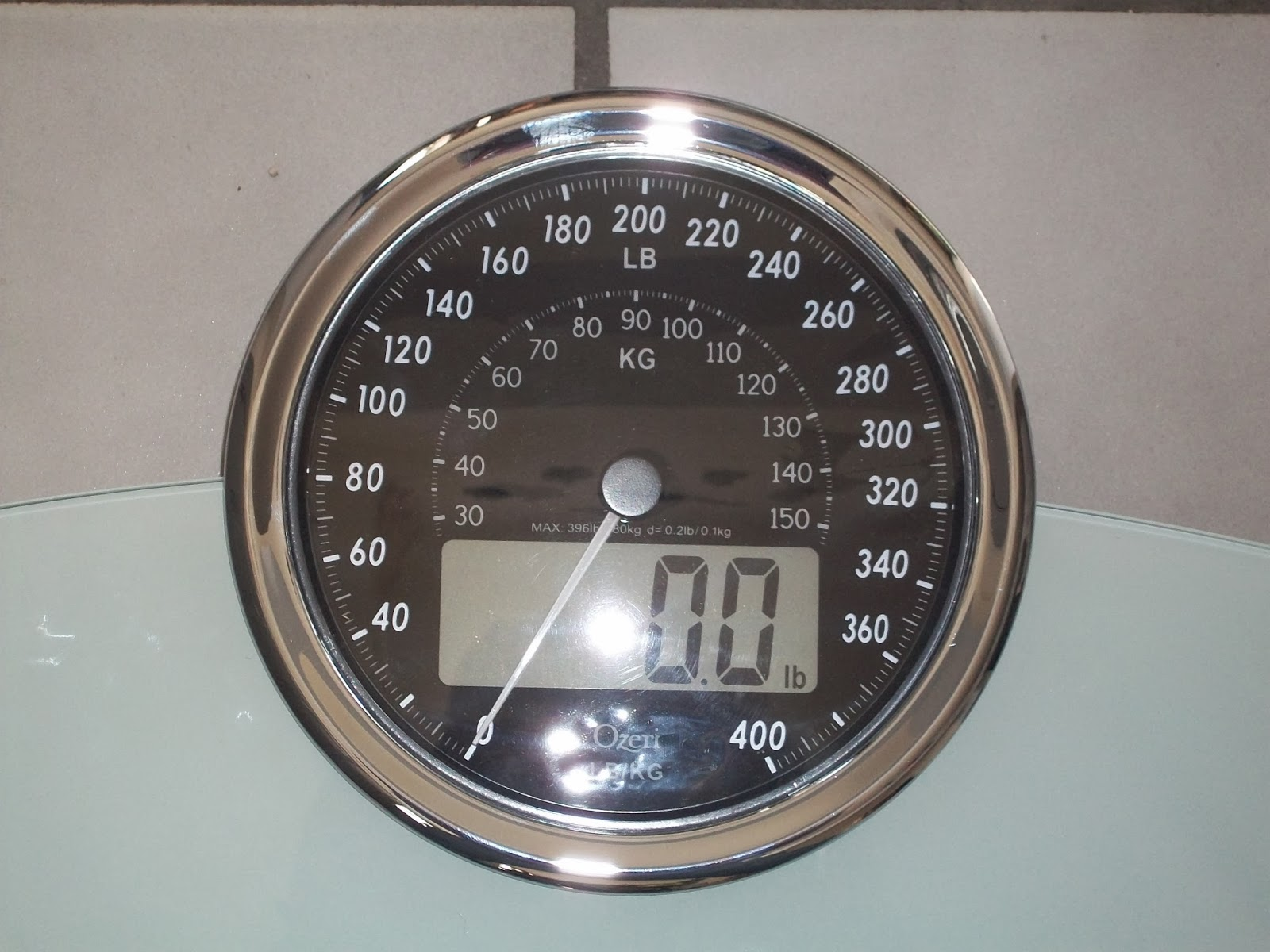 Batteries for bathroom scales - So If You Are Looking For A Scale That Will Look Cool In Any Bathroom The Ozeri Rev Digital Bathroom Scale Is The One As With All Ozeri Products