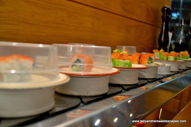Up close Sushi Bar at Scoozi in Dubai Mall