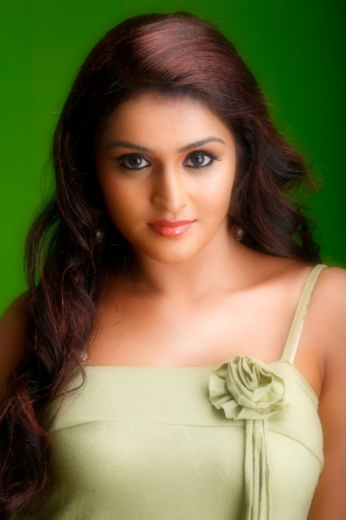 ramya nambeesan latest photo