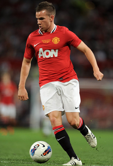 Tom cleverley 2011, Tom cleverley gets new contract from Manchester United
