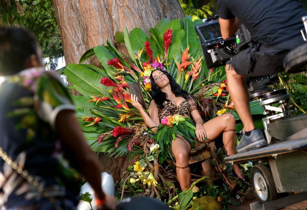 Katy Perry – Behind The Scenes