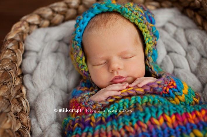 zdjęcia noworodkowa, sesja zdjęciowa niemowlaka, fotografia noworodków, studio fotografii noworodkowej, profesjonalne sesje zdjęciowe