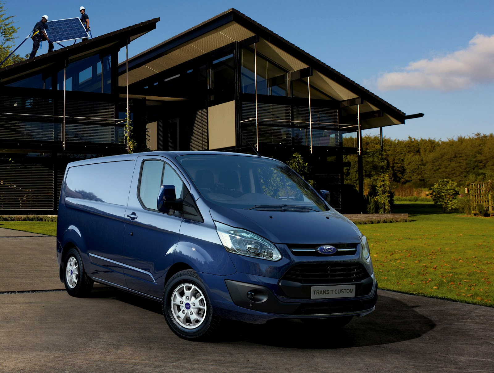 ford unveils new transit custom van. Black Bedroom Furniture Sets. Home Design Ideas