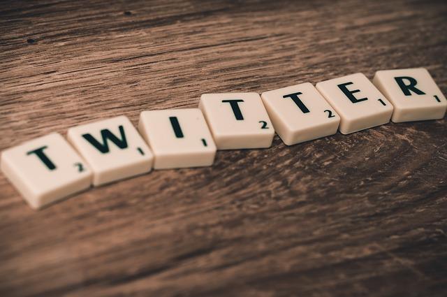 Cara Menghubungkan Akun Twitter ke Facebook