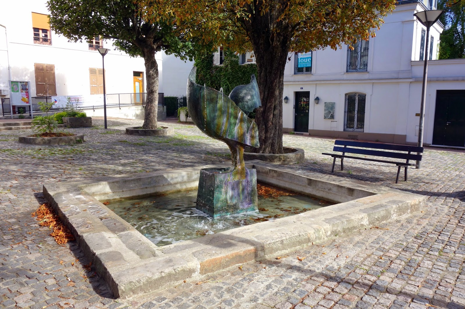 Art la fontaine coq une oeuvre de joan gardy artigas - Table de jardin maison vitry sur seine ...