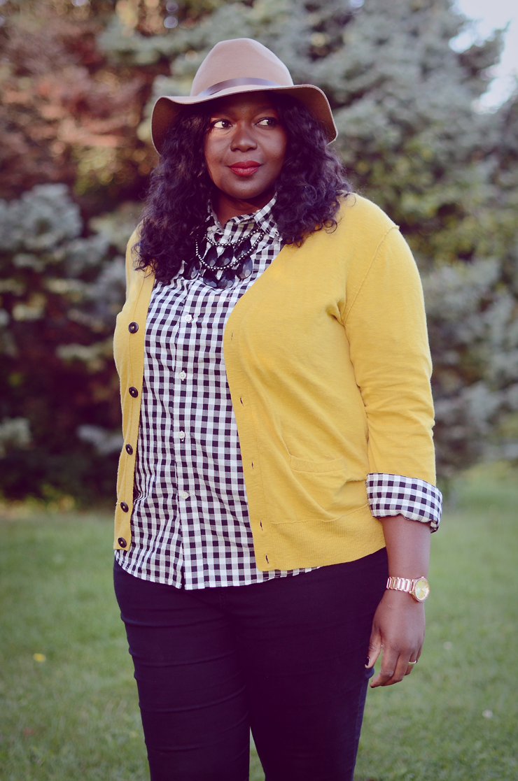 How to wear Gingham fall #plussize fashion for women