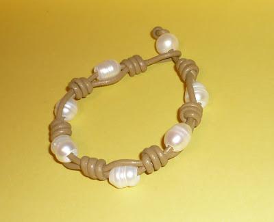 Pulsera perlas agua