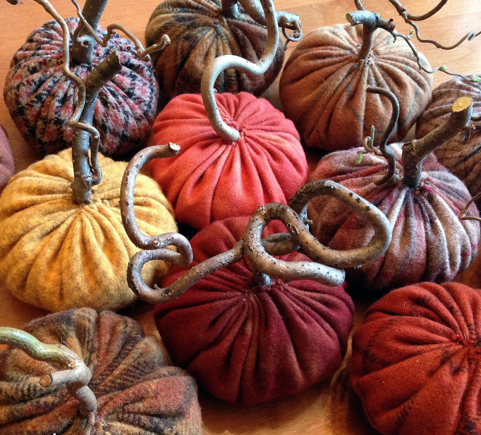 How To Make Rustic Wool Pumpkins With Gnarled Stems...