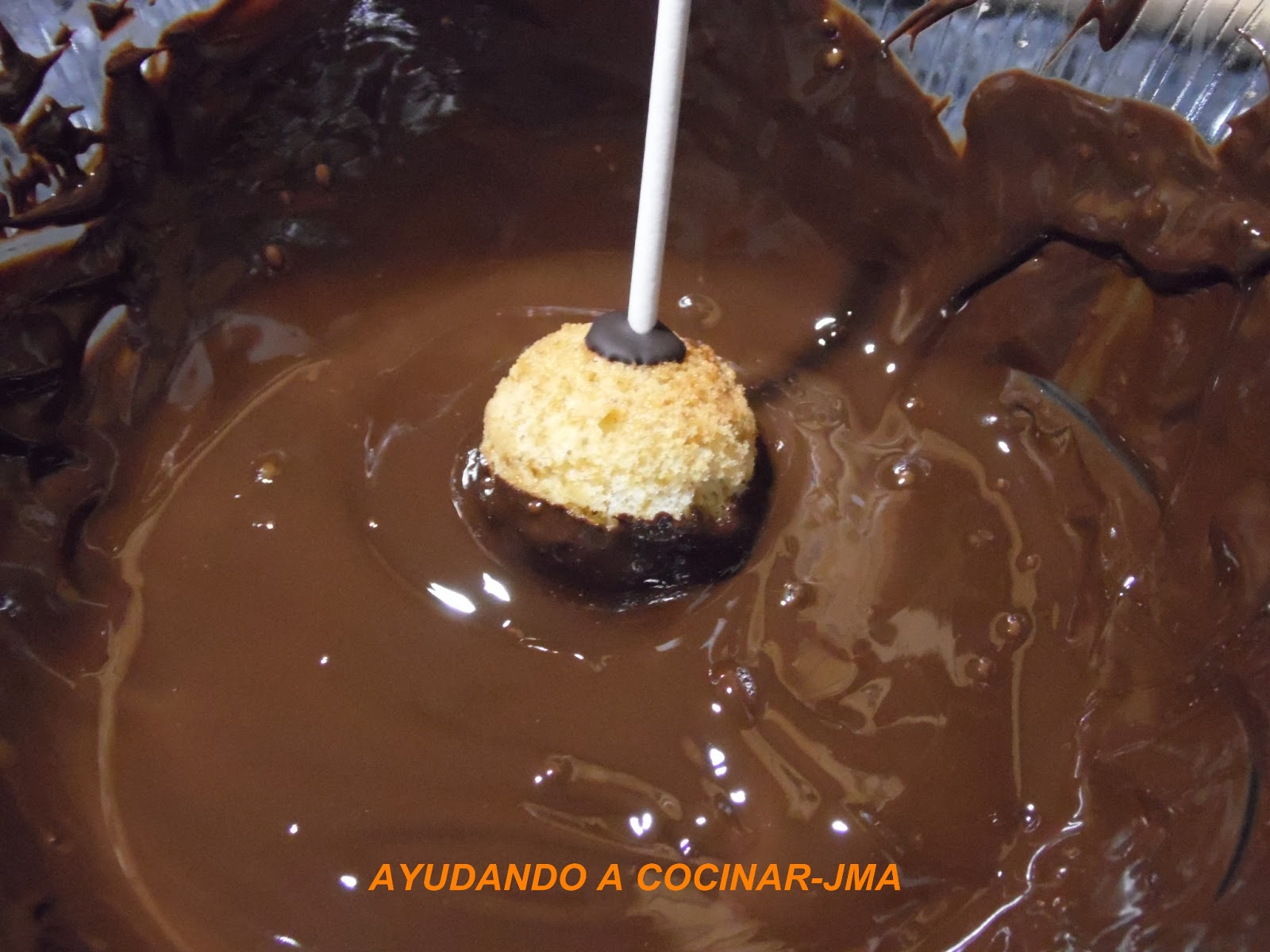 ayudando a cocinar popcake de chocolate y coco. Black Bedroom Furniture Sets. Home Design Ideas