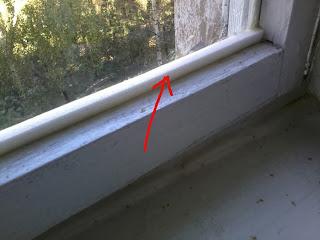 Как заделывать щели в окнах утеплителем