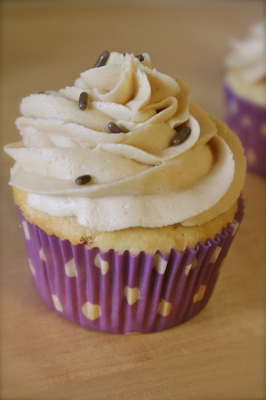Auntie Caitlin's Creations: Tagalong Cupcakes