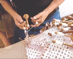 Município cearense reúne talento de mulheres-rendeiras. Conheça a história e o trabalho destas arte