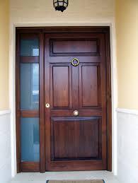 Fotos de puertas puertas madera exterior imagenes for Catalogo puertas exterior madera